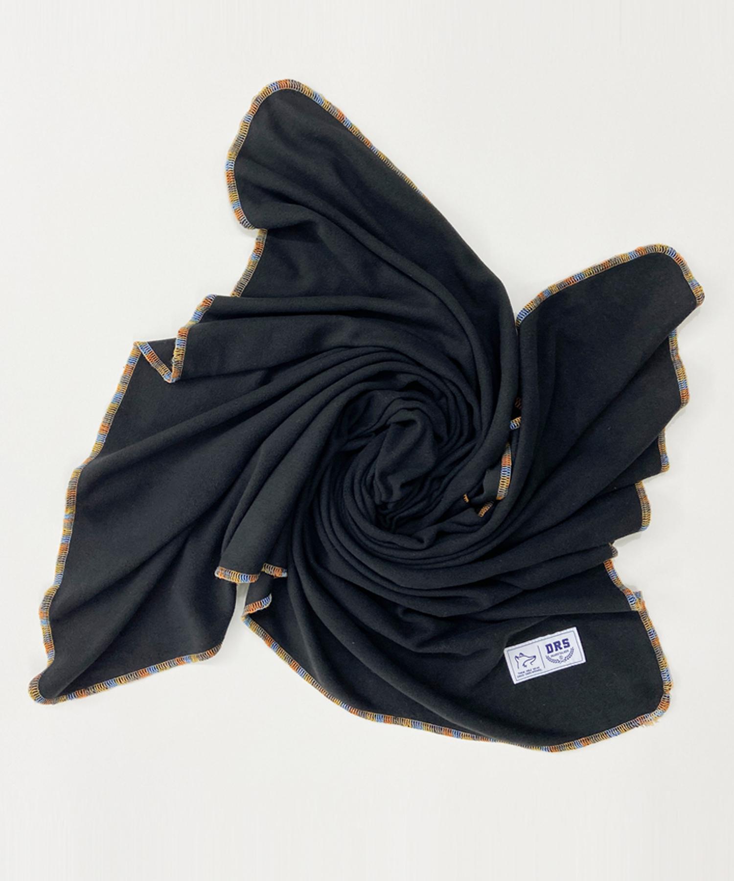 ECOLE FLEECE BLANKET (에콜 플리스 블랭킷) - BLACK